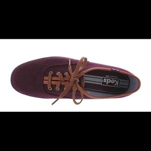 Keds burgundy wool lace up sneaker size 6.5